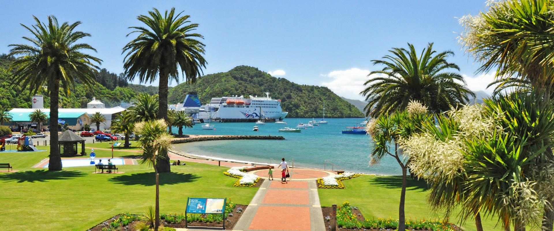 Enjoy the picturesque Picton Foreshore